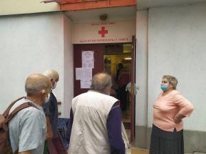 БЧК – Ловеч продължава раздаването на продукти на уязвими български граждани по Оперативната програма за храни