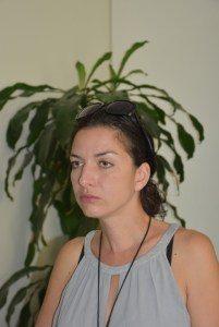 Директорът на Ловешкия театър Биляна Петрова отказва да отговори лично на въпросите. Изпрати писмено становище.