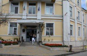 """Кметът на Ловеч поздрави Езиковата гимназия """"Екзарх Йосиф Първи"""" по повод празника"""
