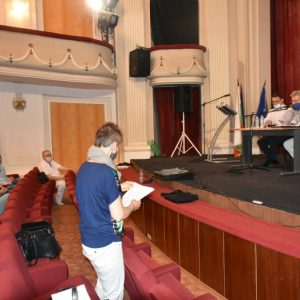 Комисия ще проверява документацията на спортен строеж в Ловеч, без да има право на това
