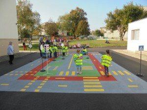 На 4 януари ще заработят детските градини и яслите и учениците до 4 клас ще имат възможност да тръгнат на училище присъствено