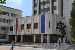 """Областна администрация Ловеч работи активно и в извънредно положение, продължава да изплаща обезщетения за АМ """"Хемус"""""""