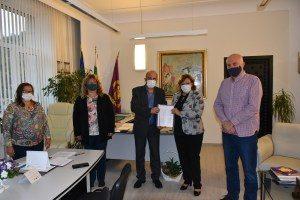 Подписан е колективен трудов договор между ръководството на община Ловеч и синдикатите