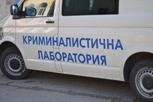 Полицията издирва злосторник, унищожил в различна степен прозорците на 5 превозни средства в пространството между бл.322 и бл.316 в ловешкия ж.к. «Младост»