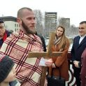 Тридесет и четири годишният Ивайло Енчев за четвърта поредна година извади богоявленския кръст в Ловеч