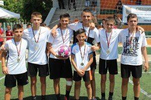Турнир по футбол за деца и младежи от 9 до 15-годишна възраст се проведе на градския стадион в Ловеч на 22 юли 2020 г.