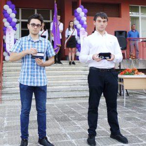 Виж отличниците в Ловеч от випуск 2020