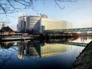 Европейският парламент призовава за закон на ЕС, който предоставя на работниците правото да изключват цифровите си служебни устройства, без да се сблъскват с отрицателни последици