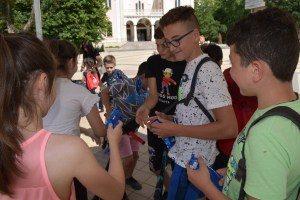 Зарадваха децата с безплатен сладолед за първия ден на лятото