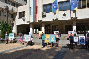 Кметът на Ловеч награди 12 победители в онлайн конкурса за детска рисунка