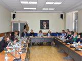 Кметът на Ловеч се включи в информационен ден за прилагане на програми за пострадали от домашно насилие. За Ловеч е открит телефон за консултации