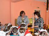 """Кметът на Ловеч се включи с """"Мечо Пух"""" в Националната седмица на четенето"""