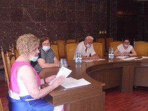 Областният щаб по здравеопазване апелира гражданите и институциите да бъдат стриктни при спазване на мерките за ограничаване разпространението на заболяването