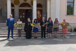 Община Ловеч награди петима педагози по повод 24 май