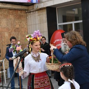 Цветница 2021 в Ловеч – снимки